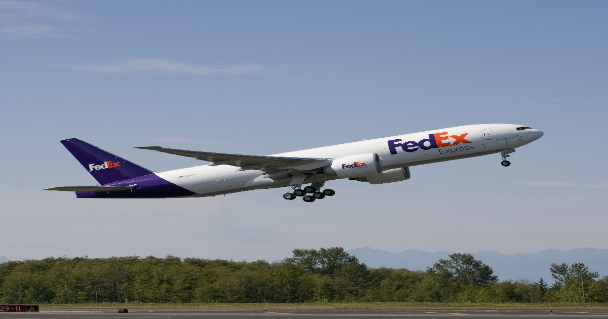 FedEx Orders 24 Freighters From Boeing