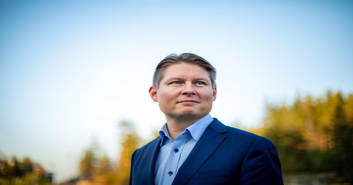 Finnair Hires Banker As New CEO