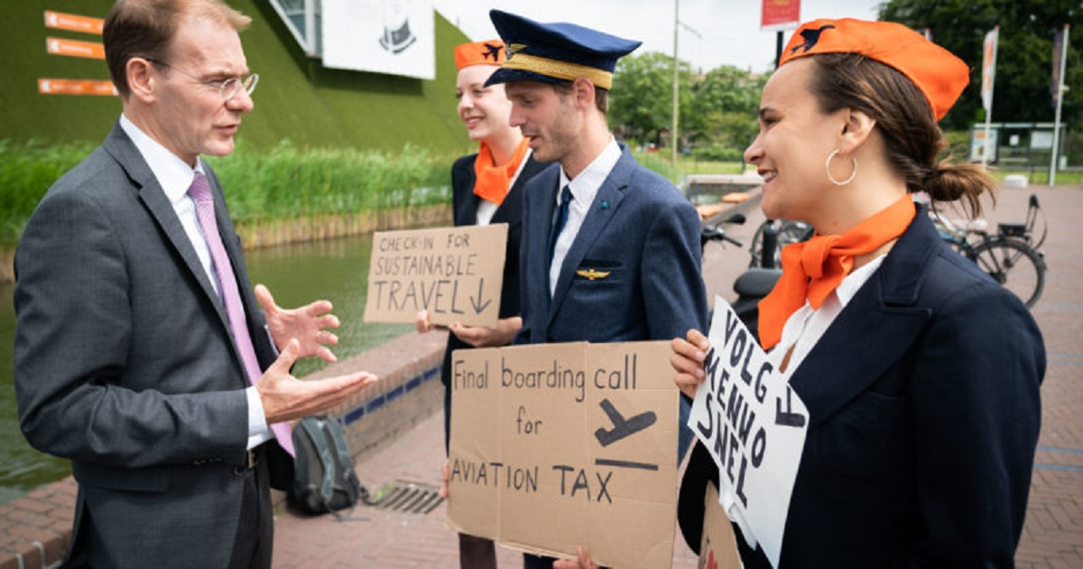 Campaign for EU-wide aviation tax to tackle climate change gathers pace