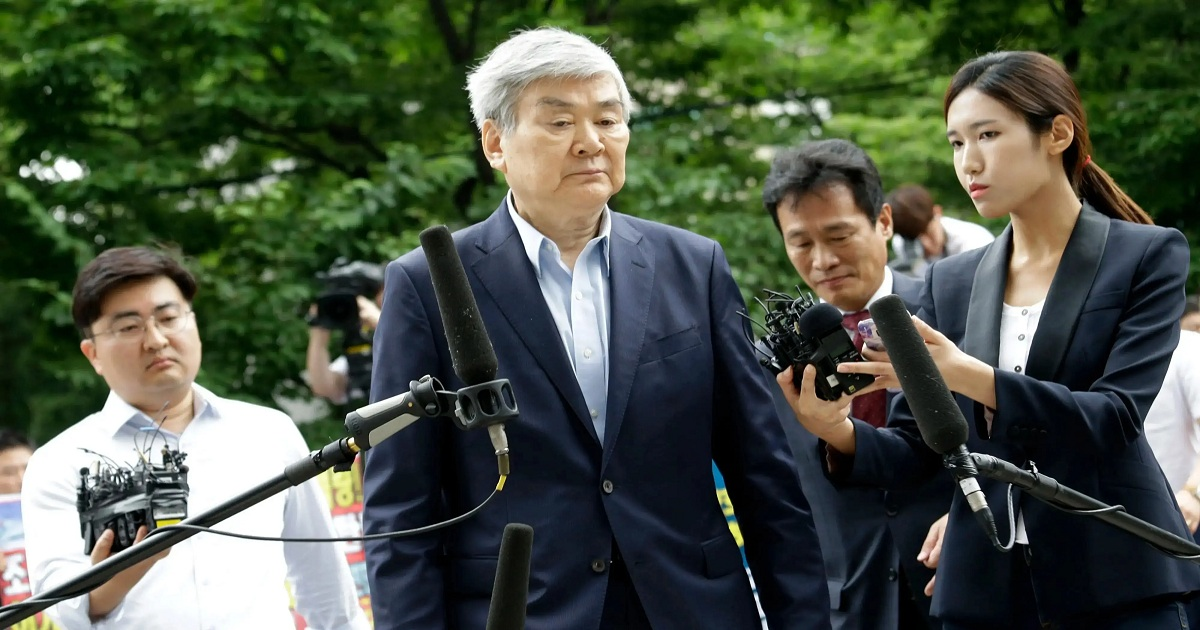 Korean Air chief Cho voted off board